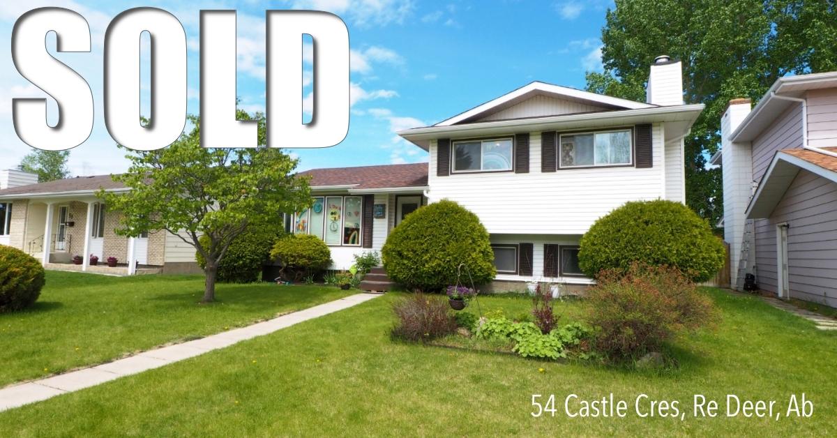 54 Castle Cres sells